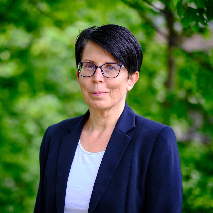 Doris Mangott